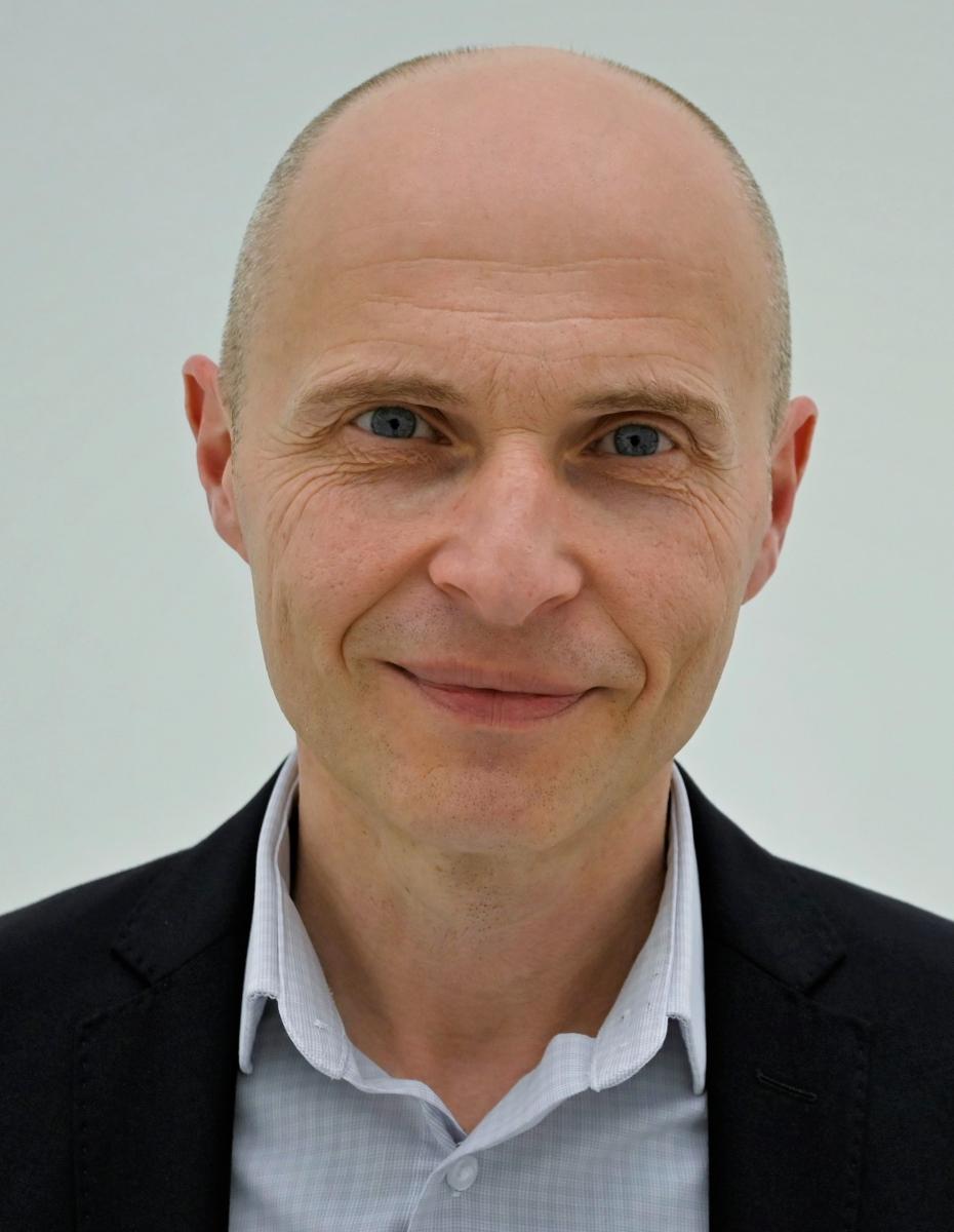 Prof. Ralf Ossenbrink